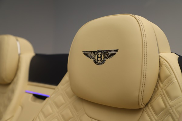 Used 2020 Bentley Continental GTC V8 for sale $288,020 at Alfa Romeo of Greenwich in Greenwich CT 06830 27
