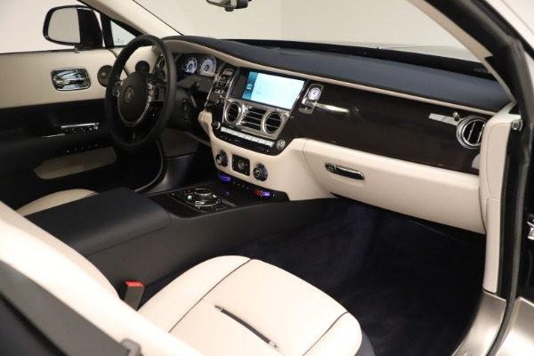 Used 2015 Rolls-Royce Wraith for sale Sold at Alfa Romeo of Greenwich in Greenwich CT 06830 27