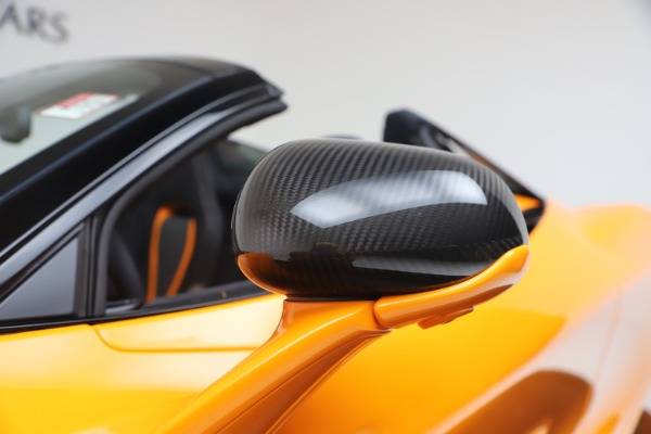 New 2020 McLaren 720S Spider Performance for sale $374,440 at Alfa Romeo of Greenwich in Greenwich CT 06830 22
