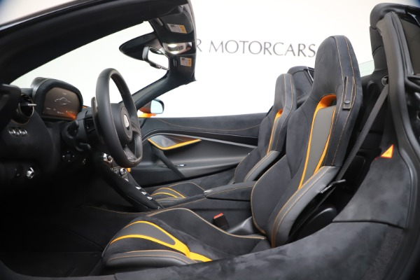 New 2020 McLaren 720S Spider Convertible for sale $374,440 at Alfa Romeo of Greenwich in Greenwich CT 06830 25