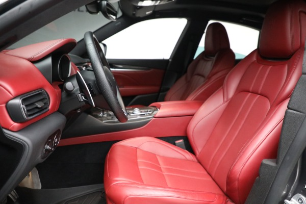 Used 2019 Maserati Levante Q4 GranSport for sale $69,900 at Alfa Romeo of Greenwich in Greenwich CT 06830 14