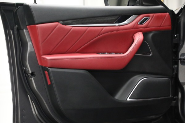 Used 2019 Maserati Levante Q4 GranSport for sale $69,900 at Alfa Romeo of Greenwich in Greenwich CT 06830 16