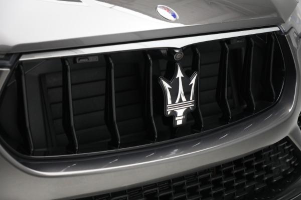 Used 2019 Maserati Levante Q4 GranSport for sale $69,900 at Alfa Romeo of Greenwich in Greenwich CT 06830 24