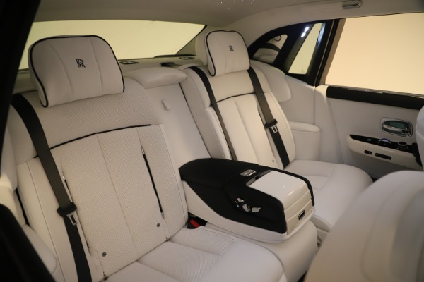 New 2020 Rolls-Royce Phantom for sale $545,200 at Alfa Romeo of Greenwich in Greenwich CT 06830 14