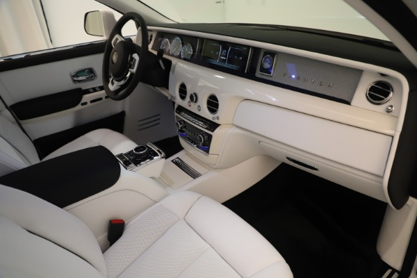 New 2020 Rolls-Royce Phantom for sale $545,200 at Alfa Romeo of Greenwich in Greenwich CT 06830 22