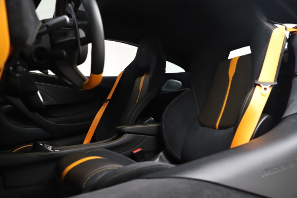 Used 2017 McLaren 570S Coupe for sale $161,900 at Alfa Romeo of Greenwich in Greenwich CT 06830 18