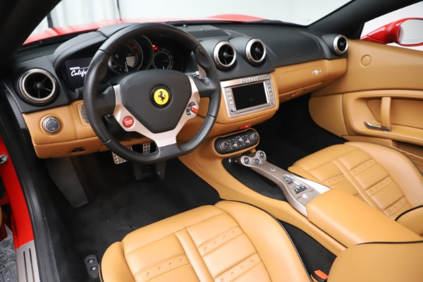 Used 2013 Ferrari California 30 for sale $116,900 at Alfa Romeo of Greenwich in Greenwich CT 06830 19