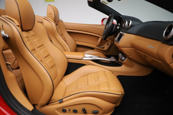 Used 2013 Ferrari California 30 for sale $116,900 at Alfa Romeo of Greenwich in Greenwich CT 06830 25