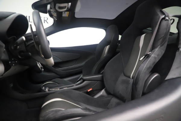 Used 2017 McLaren 570GT Coupe for sale $149,900 at Alfa Romeo of Greenwich in Greenwich CT 06830 16