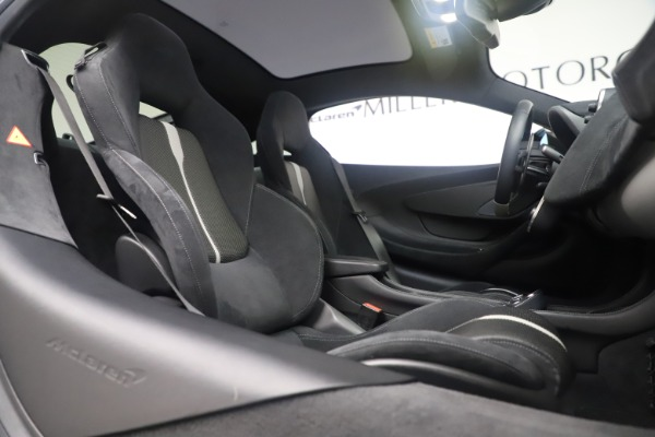Used 2017 McLaren 570GT Coupe for sale $149,900 at Alfa Romeo of Greenwich in Greenwich CT 06830 21