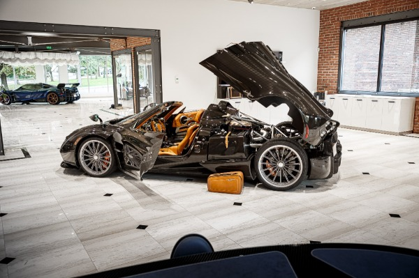 Used 2017 Pagani Huayra Roadster Roadster for sale Call for price at Alfa Romeo of Greenwich in Greenwich CT 06830 7