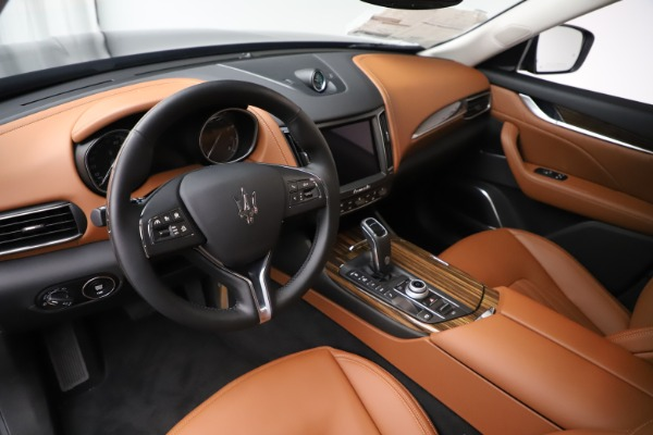 New 2019 Maserati Levante Q4 GranLusso for sale $89,550 at Alfa Romeo of Greenwich in Greenwich CT 06830 12