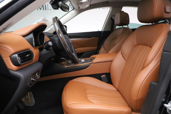 New 2019 Maserati Levante Q4 GranLusso for sale $89,550 at Alfa Romeo of Greenwich in Greenwich CT 06830 14