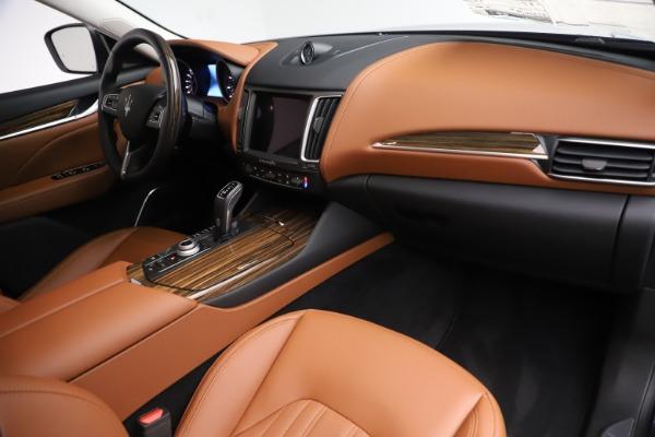 New 2019 Maserati Levante Q4 GranLusso for sale $89,550 at Alfa Romeo of Greenwich in Greenwich CT 06830 19