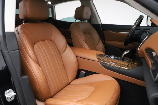 New 2019 Maserati Levante Q4 GranLusso for sale $89,550 at Alfa Romeo of Greenwich in Greenwich CT 06830 21