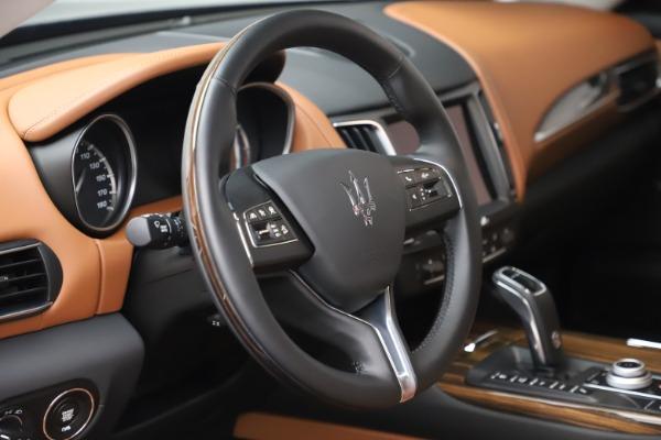 New 2019 Maserati Levante Q4 GranLusso for sale $89,550 at Alfa Romeo of Greenwich in Greenwich CT 06830 24