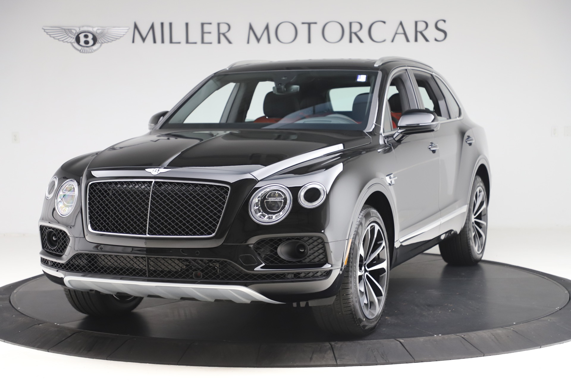New 2020 Bentley Bentayga V8 for sale $202,735 at Alfa Romeo of Greenwich in Greenwich CT 06830 1