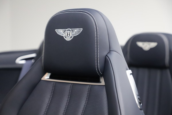 Used 2015 Bentley Continental GTC V8 for sale $119,900 at Alfa Romeo of Greenwich in Greenwich CT 06830 28