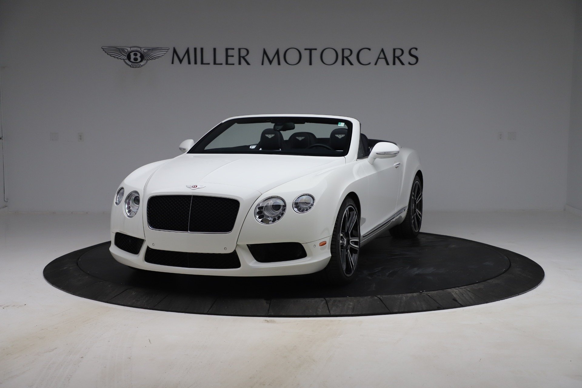 Used 2015 Bentley Continental GTC V8 for sale $119,900 at Alfa Romeo of Greenwich in Greenwich CT 06830 1