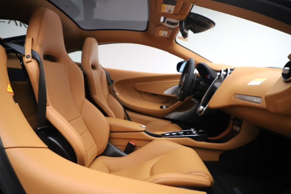 New 2020 McLaren GT Coupe for sale $245,975 at Alfa Romeo of Greenwich in Greenwich CT 06830 15