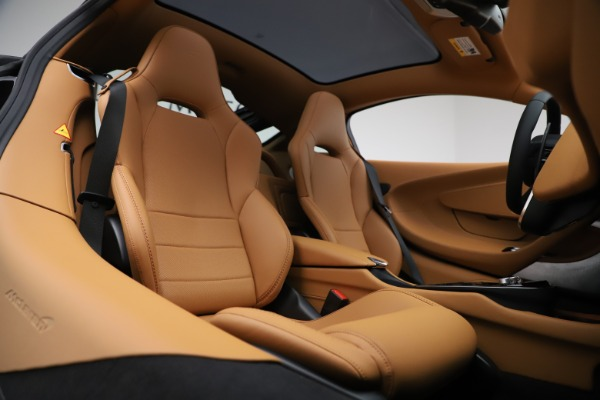 New 2020 McLaren GT Coupe for sale $245,975 at Alfa Romeo of Greenwich in Greenwich CT 06830 16