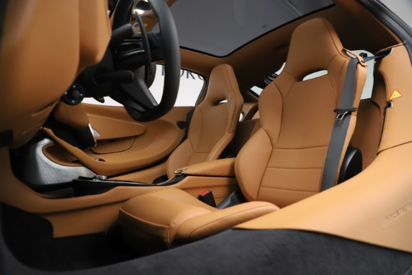New 2020 McLaren GT Coupe for sale $245,975 at Alfa Romeo of Greenwich in Greenwich CT 06830 18