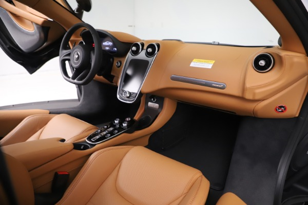 New 2020 McLaren GT Coupe for sale $245,975 at Alfa Romeo of Greenwich in Greenwich CT 06830 20