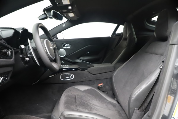 New 2020 Aston Martin Vantage Coupe for sale $166,366 at Alfa Romeo of Greenwich in Greenwich CT 06830 14