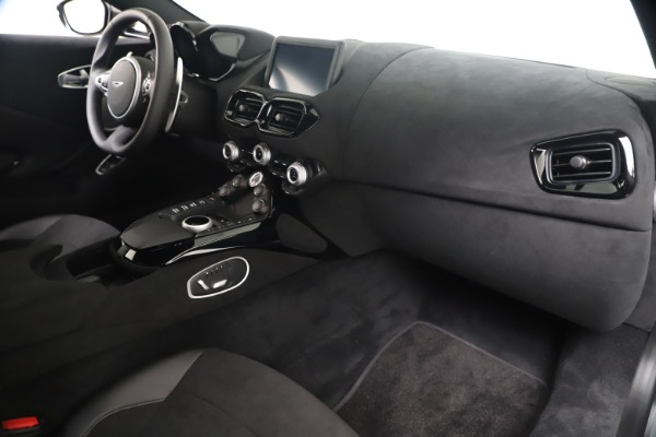 New 2020 Aston Martin Vantage Coupe for sale $166,366 at Alfa Romeo of Greenwich in Greenwich CT 06830 18