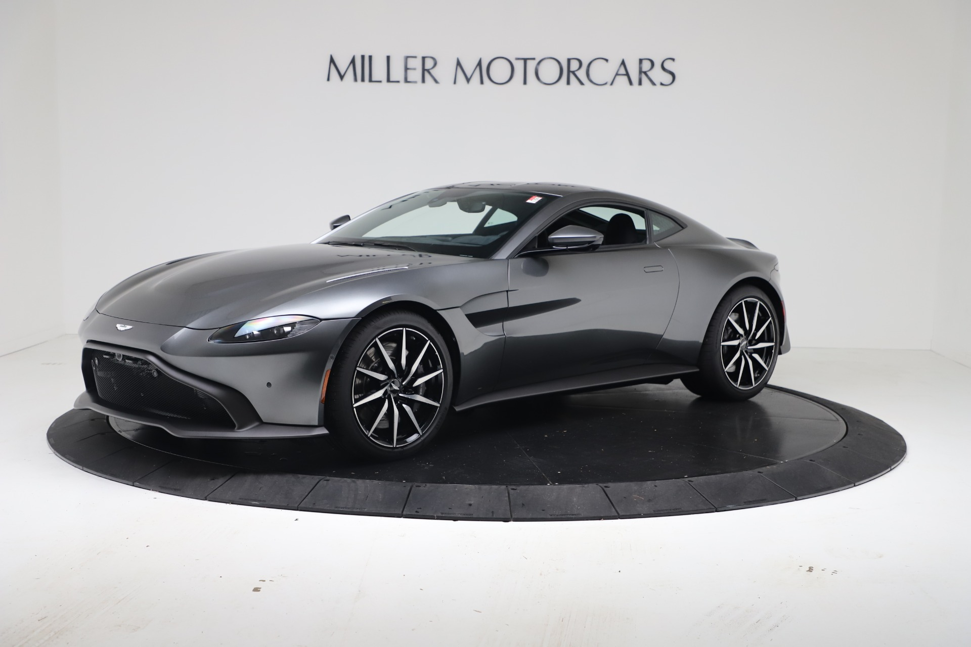 New 2020 Aston Martin Vantage Coupe for sale $166,366 at Alfa Romeo of Greenwich in Greenwich CT 06830 1