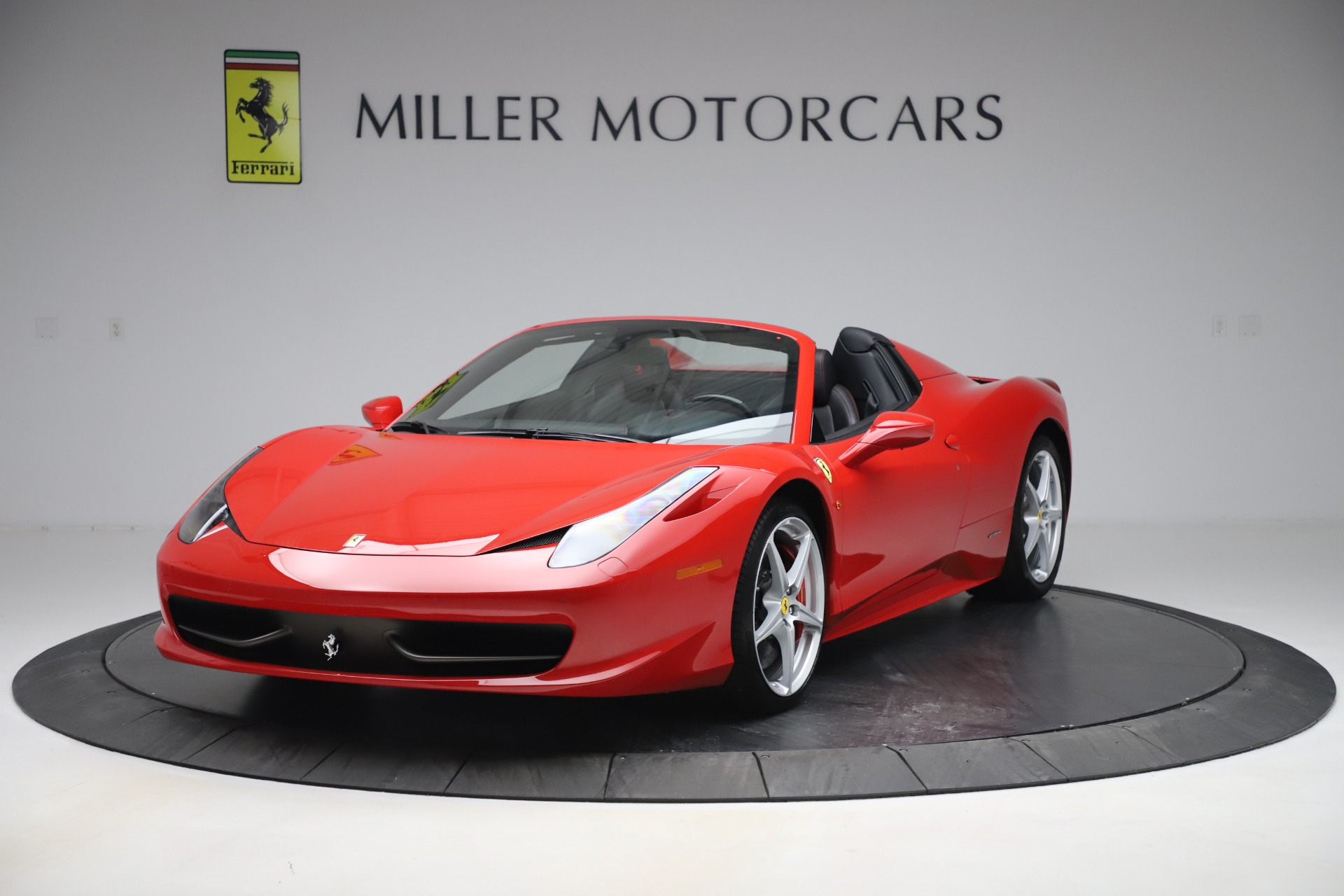 Used 2015 Ferrari 458 Spider for sale $235,900 at Alfa Romeo of Greenwich in Greenwich CT 06830 1