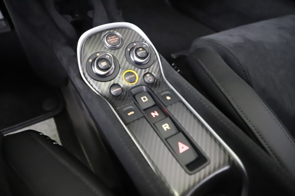Used 2019 McLaren 600LT Coupe for sale Sold at Alfa Romeo of Greenwich in Greenwich CT 06830 21