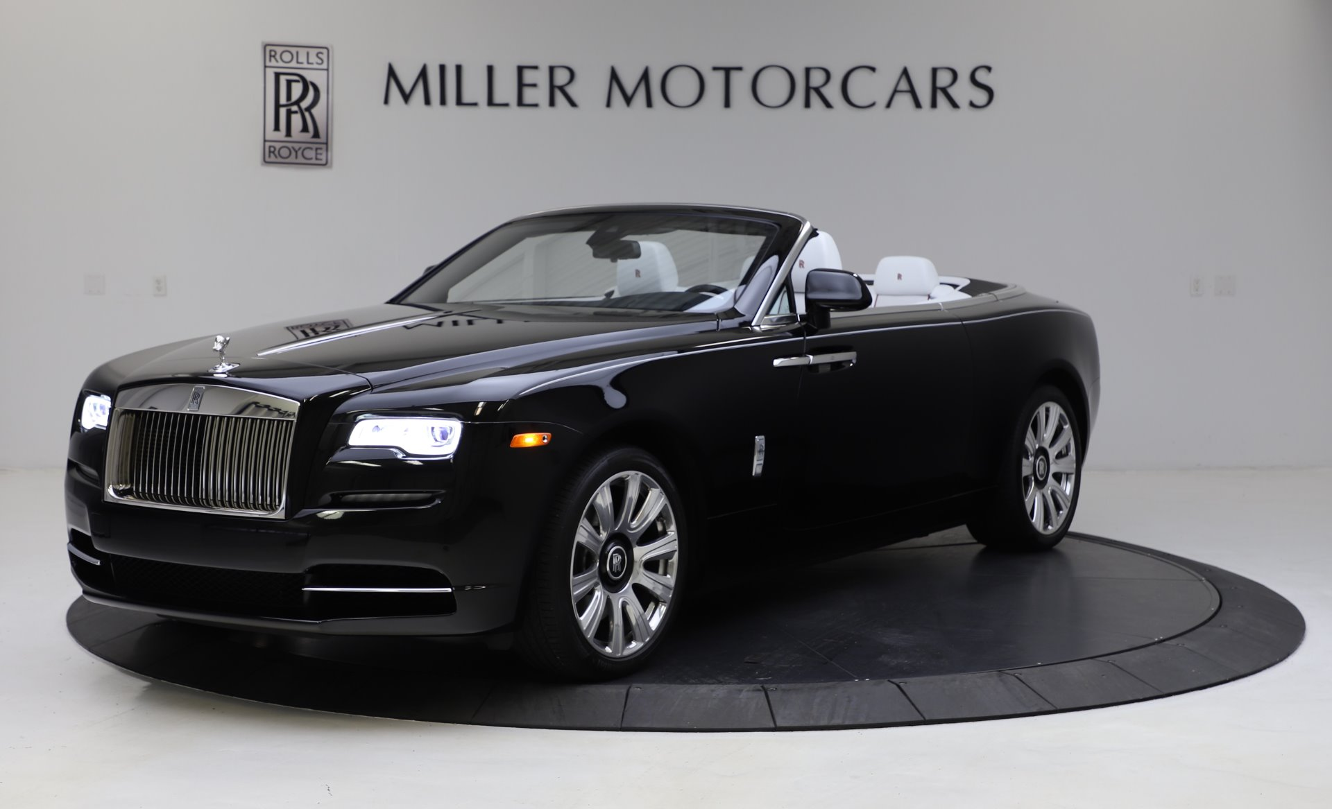 Used 2016 Rolls-Royce Dawn for sale $239,900 at Alfa Romeo of Greenwich in Greenwich CT 06830 1