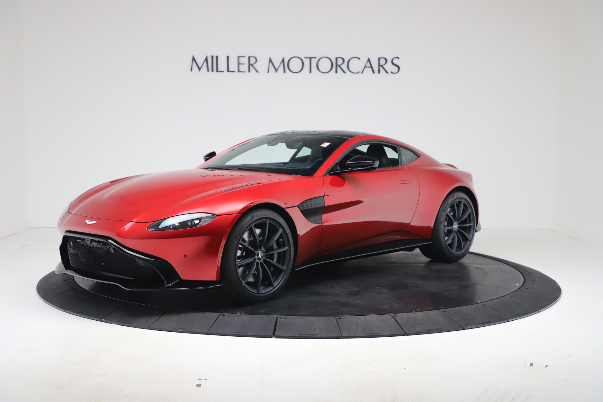New 2020 Aston Martin Vantage Coupe for sale $195,089 at Alfa Romeo of Greenwich in Greenwich CT 06830 1