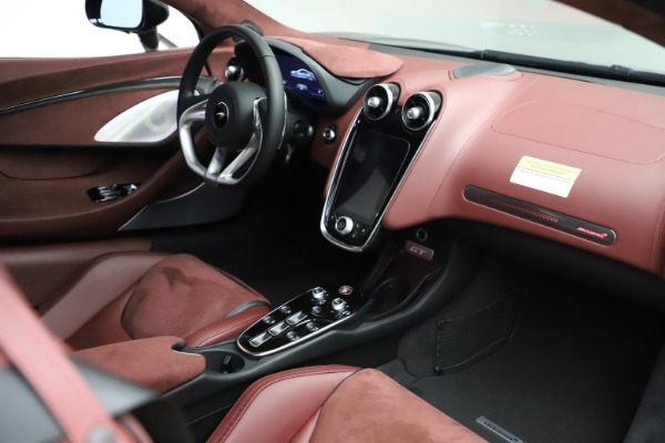 New 2020 McLaren GT Coupe for sale $247,275 at Alfa Romeo of Greenwich in Greenwich CT 06830 18