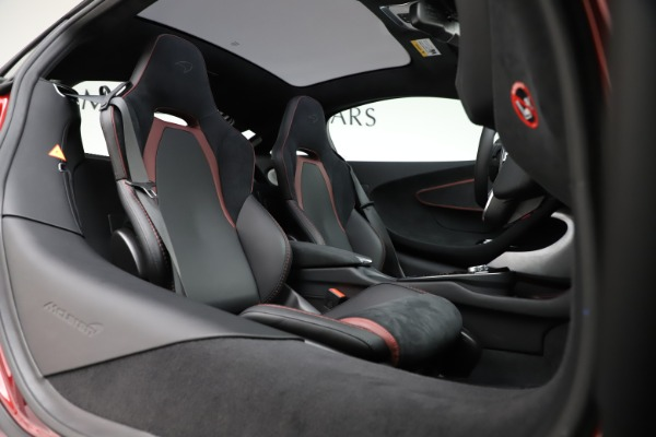New 2020 McLaren GT Coupe for sale $249,275 at Alfa Romeo of Greenwich in Greenwich CT 06830 17
