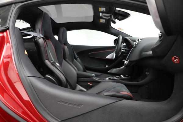 New 2020 McLaren GT Coupe for sale $249,275 at Alfa Romeo of Greenwich in Greenwich CT 06830 18