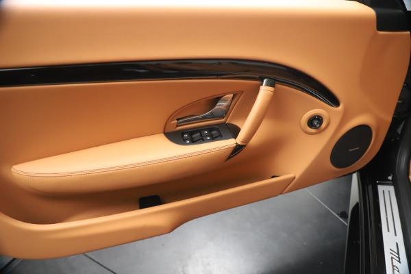 New 2019 Maserati GranTurismo Sport Convertible for sale $161,970 at Alfa Romeo of Greenwich in Greenwich CT 06830 23