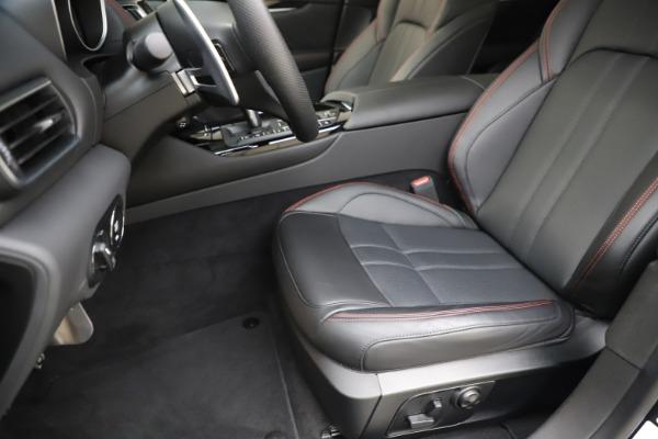 New 2019 Maserati Levante Q4 GranSport for sale Sold at Alfa Romeo of Greenwich in Greenwich CT 06830 15