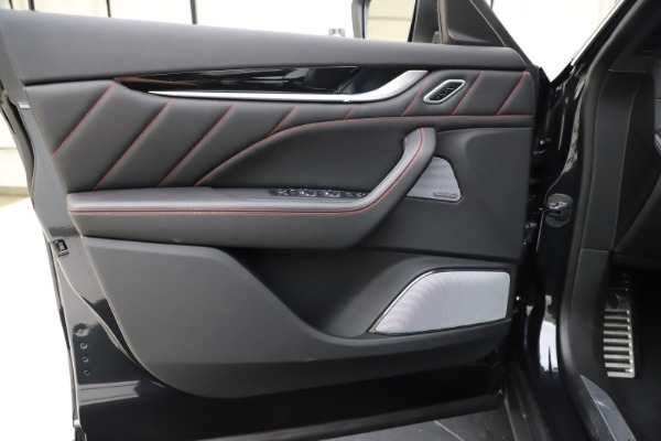 New 2019 Maserati Levante Q4 GranSport for sale Sold at Alfa Romeo of Greenwich in Greenwich CT 06830 17