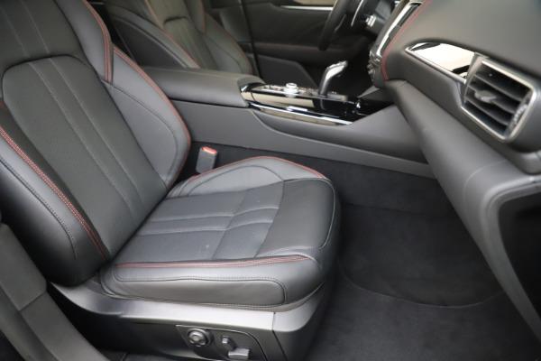 New 2019 Maserati Levante Q4 GranSport for sale Sold at Alfa Romeo of Greenwich in Greenwich CT 06830 24