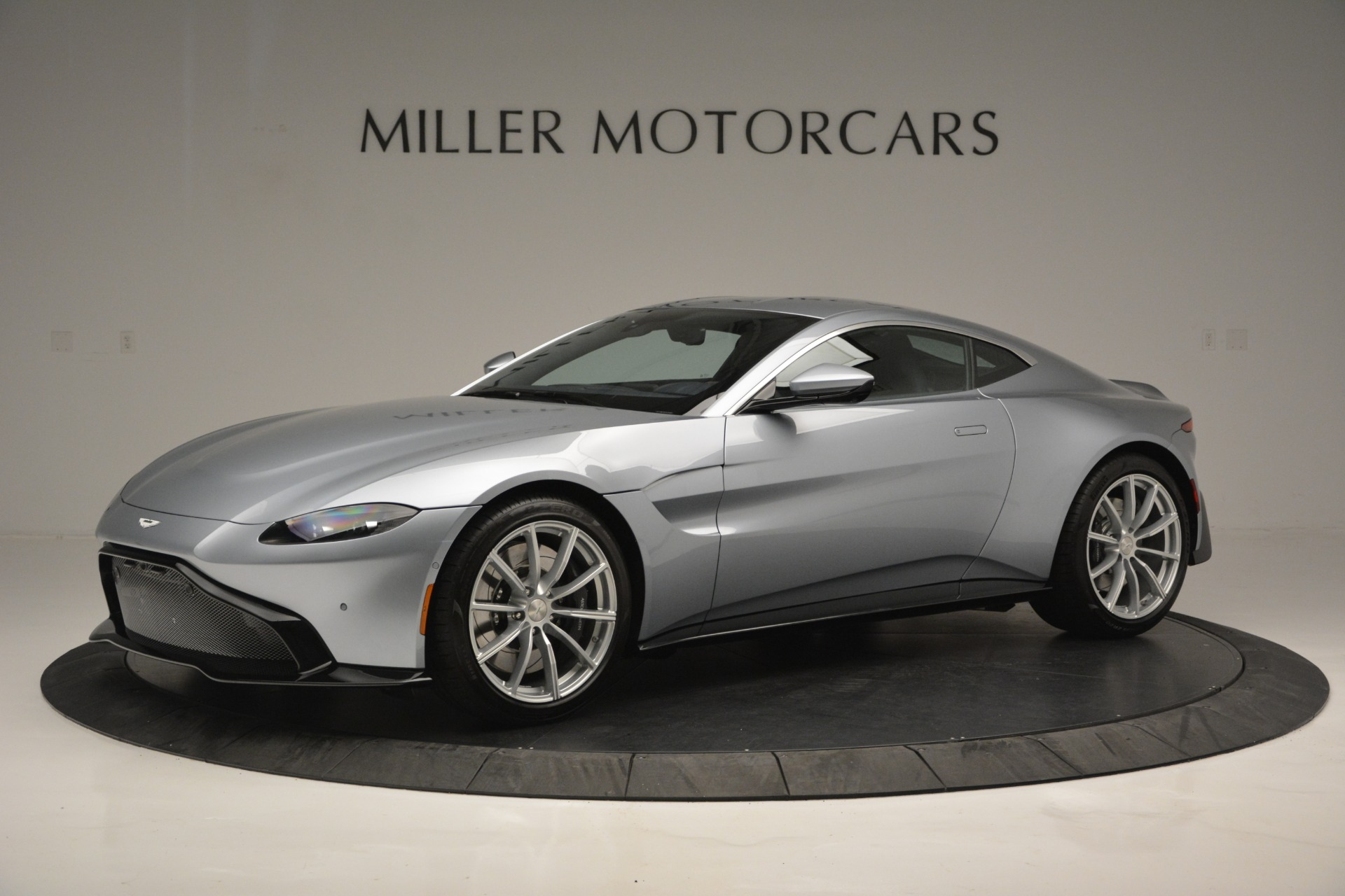 Used 2019 Aston Martin Vantage Coupe for sale $139,900 at Alfa Romeo of Greenwich in Greenwich CT 06830 1