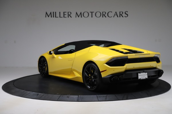 Used 2018 Lamborghini Huracan LP 580-2 Spyder for sale Sold at Alfa Romeo of Greenwich in Greenwich CT 06830 14
