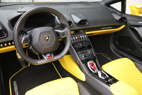 Used 2018 Lamborghini Huracan LP 580-2 Spyder for sale Sold at Alfa Romeo of Greenwich in Greenwich CT 06830 17