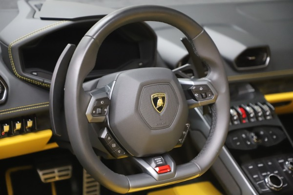 Used 2018 Lamborghini Huracan LP 580-2 Spyder for sale Sold at Alfa Romeo of Greenwich in Greenwich CT 06830 21