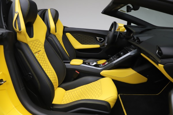 Used 2018 Lamborghini Huracan LP 580-2 Spyder for sale Sold at Alfa Romeo of Greenwich in Greenwich CT 06830 23