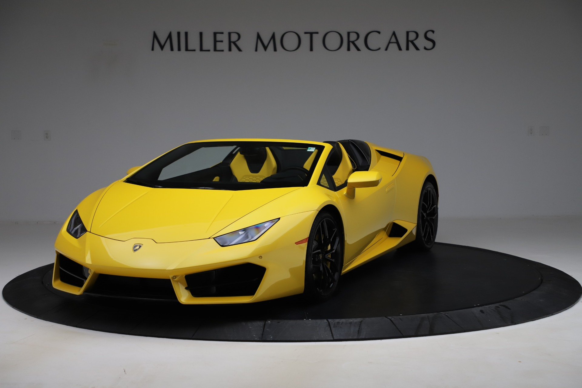 Used 2018 Lamborghini Huracan LP 580-2 Spyder for sale Sold at Alfa Romeo of Greenwich in Greenwich CT 06830 1
