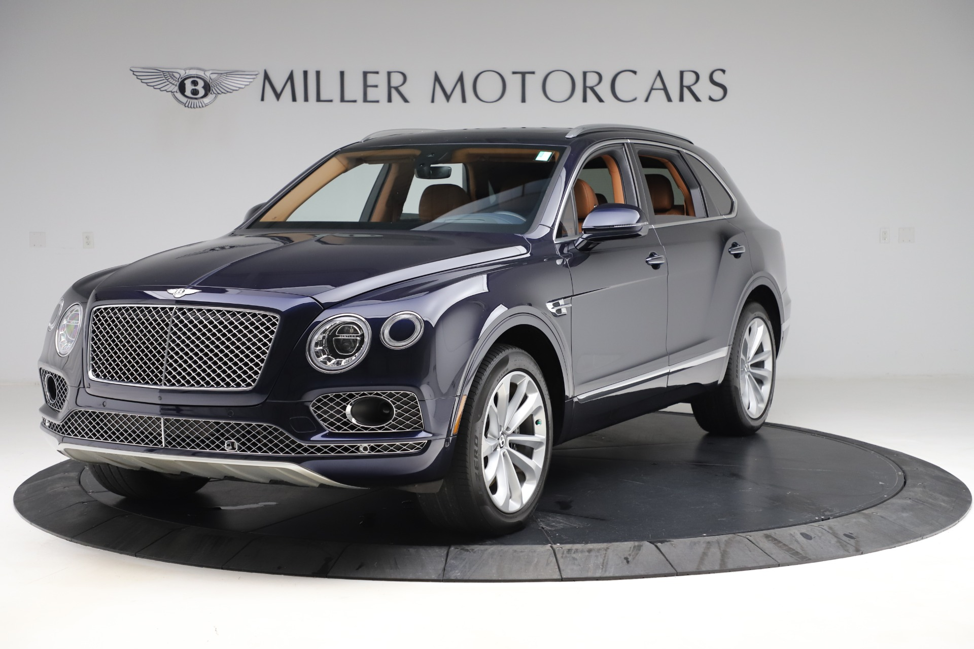 Used 2017 Bentley Bentayga W12 for sale $144,900 at Alfa Romeo of Greenwich in Greenwich CT 06830 1