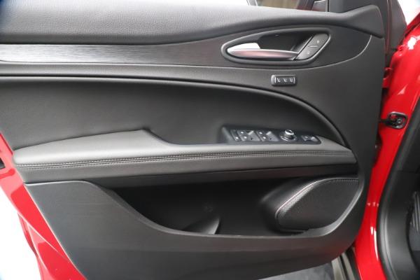 New 2020 Alfa Romeo Stelvio Q4 for sale $49,240 at Alfa Romeo of Greenwich in Greenwich CT 06830 17