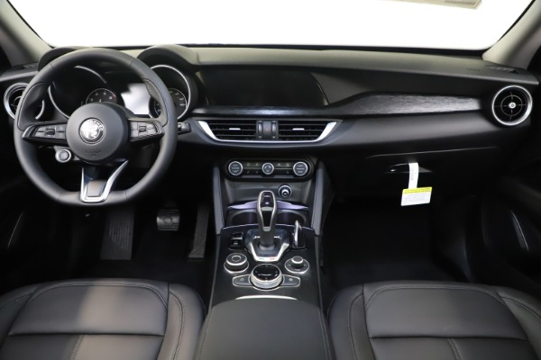 New 2020 Alfa Romeo Stelvio Q4 for sale $49,840 at Alfa Romeo of Greenwich in Greenwich CT 06830 16